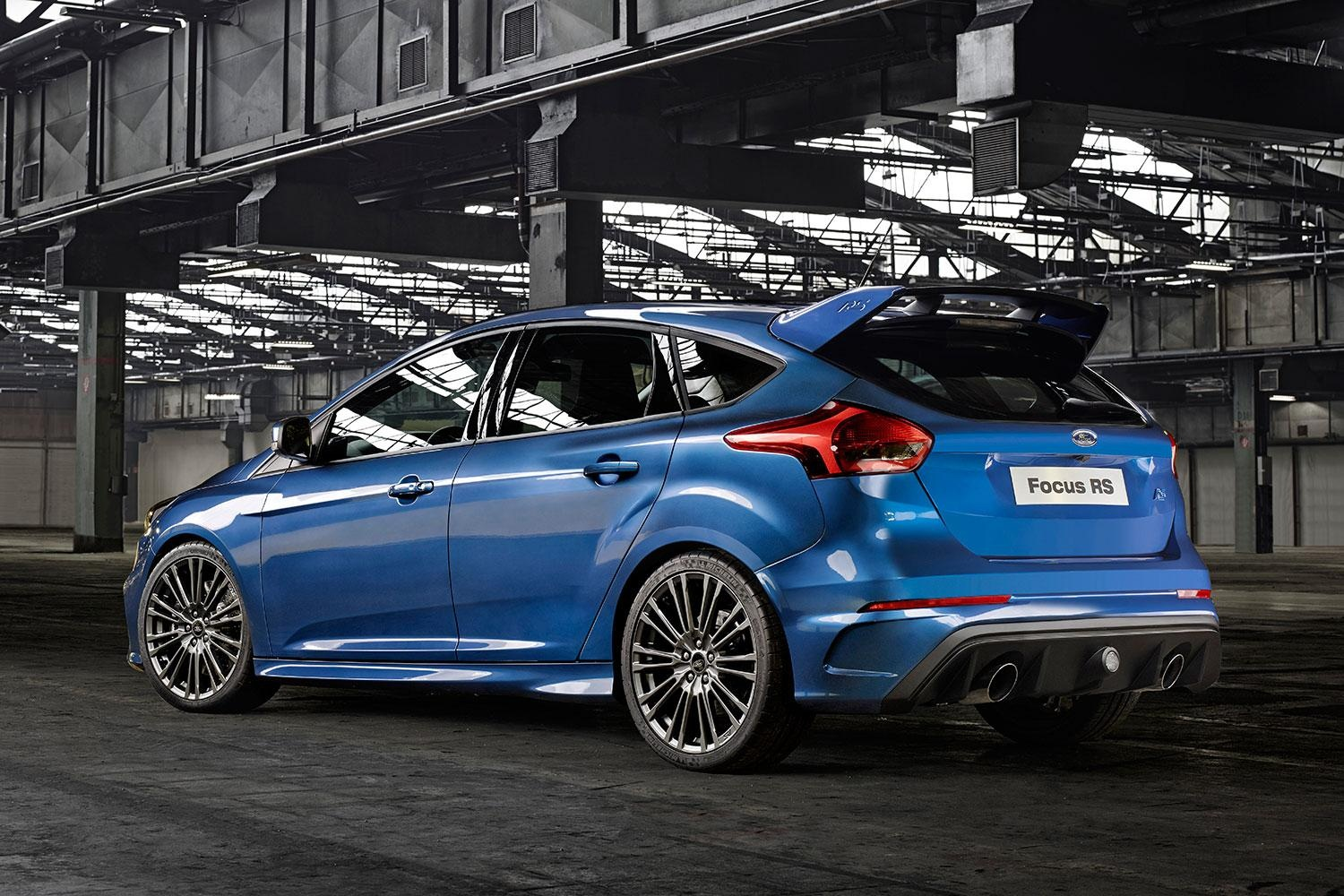 ford-focus-rs_004-1500x1000